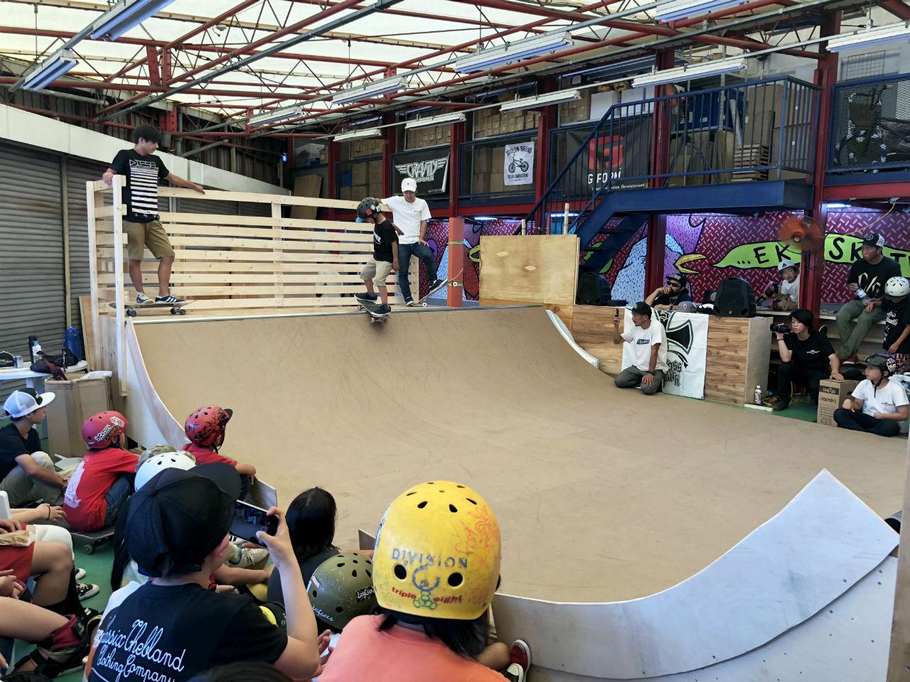 大阪の屋内型スケートパーク EKLスケートボードパーク!